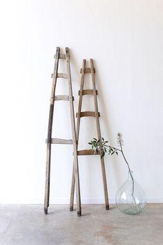 Rustic A-Frame ladder / super marché Rustic Ladder, Rustic Loft, Wood Ladder, Ladder Decor, Natural Homes, Natural Home Decor, A Frame Ladder, Danish Interior, Rustic Frames