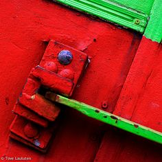 Art in red and green