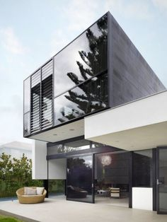 Flexible Green Glass House Design in Melbourne by Crone Partners