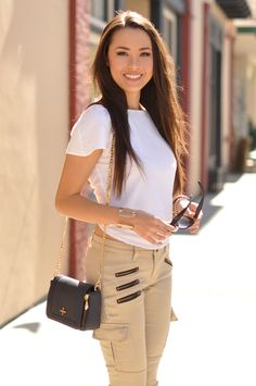 Hapa Time: It& In the Details Hapa Time, Jessica Ricks, Neutral Outfit, Hot Brunette, Fashion Outfits, Womens Fashion, Petite Fashion, Daily Look, Spring Summer Fashion