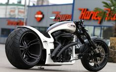 The next evolution of the Dragster RS bike with monoblock wheels by Thunderbike Customs Germany