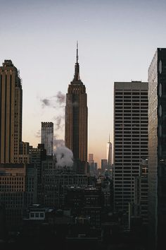 Image about photography in NYC & Luxury 💎 by Steph Devos City Aesthetic, Travel Aesthetic, Appartement New York, New York City, A New York Minute, City Vibe, Nyc Life, Dream City, Concrete Jungle