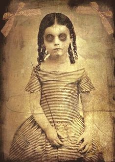 This site exists to discredit the idea of the Victorian standing post mortem photo. Post mortem photos do exist, but none of them are stand alone. Retro Halloween, Vintage Halloween Photos, Creepy Halloween, Halloween Pictures, Victorian Halloween, Creepy Images, Creepy Pictures, Creepy Old Photos, Strange Images