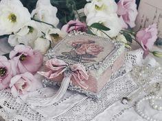 Shabby chic: У нас в гостях Анна Карпусь ♥ Cigar Box Crafts, Altered Boxes, Decorative Boxes, Shabby Chic, Blog, Blogging, Decorative Storage Boxes, Kleding, Shabby Chic Decorating
