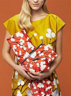Marimekko_Ihvi dress_Lumimarja Bash, Gaala and Fiesta bags Motif Floral, Floral Tops, Marimekko Dress, Fashion Magazin, Beauty Magazine, Fashion Beauty, Womens Fashion, Fashion Pictures, Green Dress