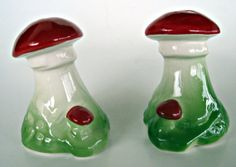 Vintage Mushroom Salt & Pepper Shakers