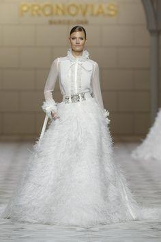 Blusa y falda: la nueva tendencia para las novias de 2015 - Yahoo Mujer