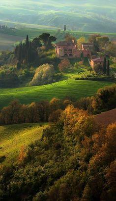 Tuscany, Italy photo via talitha