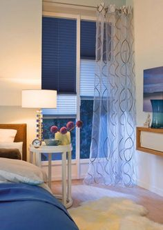 10 Ideas To Use Pleated Blinds To Decorate Windows | Shelterness