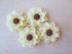 4PCS  Daisy Cabochons  18mm  Pale Yellow by ZARDENIA on Etsy, $3.00