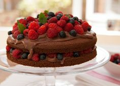 Italian chocolate sponge with berries recipe | Baking & Desserts