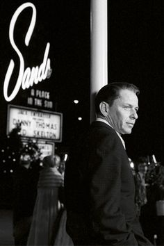 Old photo of Mr. Frank Sinatra outside the Sands Hotel and Casino on the Strip in Las Vegas, Nevada. Dean Martin, Joey Bishop, Vintage Hollywood, Classic Hollywood, Hollywood Glamour, Hollywood Actresses, Franck Sinatra, Las Vegas, Sands Hotel