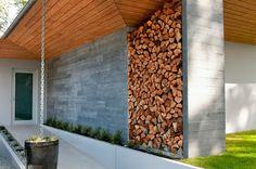 Brennholz Lagern kann auch kunstvoll und ästhetisch sein