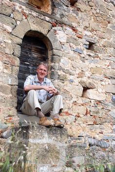 """In this interview, AHE speaks to travel writer Duncan J. Smith about his """"Only In Guides"""" as well as his interest in ancient history. James Blake, History Encyclopedia, Historian, Ancient History, Archaeology, Museums, Authors, Abandoned, Perspective"""