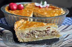 Placinta cu varza acra si piept de porc afumat Lasagna, Bread, Ethnic Recipes, Desserts, Mai, Pies, Food, Pork, Tailgate Desserts