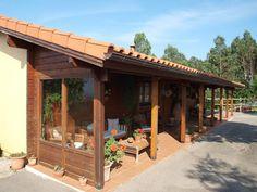 Preciosa casa de madera, forma parte de un complejo ecuestre en Comillas. #InmobiliariaCantabria. www.complejoecuestrecomillas.inmobiliariacantabria.net