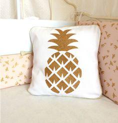 Coussin en coton blanc ananas dorée pailletée déhoussable : Textiles et tapis par crapaud-chou