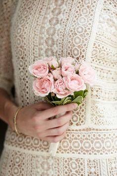 small bouquet (city hall wedding ideas)