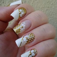 Wedding Nails For Bride Acrylic Maxi Dresses 46 Ideas Bride Nails, Wedding Nails, Beautiful Nail Designs, Beautiful Nail Art, Fancy Nails, Trendy Nails, Hot Nails, Hair And Nails, Flower Nail Art