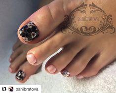 #Repost @panibratova (@get_repost) _____________ Больше идей ищите на страничках  @nail__master__russia - модные дизайны @wedding_nails - свадебные идеи ______________ #nail__master__russia#препаратныйпедикюр#pedicure#педикюрshellac#педикюрростов#педикюрмосква#педикюрвладивосток #педикюрказань #instanails#gelnail#гельлак#pedicure_nmr#педикюртула#педикюрнн#аппаратныйпедикюр#стразы#комбинированныйпедикюр#pedicure_nmr#педикюрхабаровск#педикюрспб#нюдовыеногти#педикюр#pedicure#термопленка