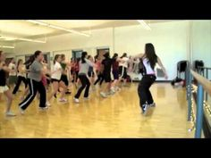 Zumba - Hold It Against Me (Warm Up)