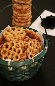 Erivum Puliyum: Kerala Style Rosette Cookies / Achappam- Flavors of Kerala & Award Time ! Indian Snacks, Indian Food Recipes, Christmas Sweets Recipes, Christmas Goodies, Rosette Cookies, Finger Foods For Kids, Date Cookies, Kerala Food, Oatmeal Recipes