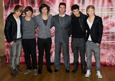 LONDON, ENGLAND - DECEMBER 09:  (L-R) Liam Payne, Louis Tomlinson, Harry Styles, Zane Malik and Niall Horan of 'One Direction' together with Simon Cowell (c) attend a photocall during the X Factor press conference at the Connaught Hotel on December 9, 2010 in London, England.  (Photo by Ian Gavan/Getty Images) via @AOL_Lifestyle Read more: http://www.aol.com/article/2016/06/08/is-this-12-year-old-the-next-taylor-swift-simon-cowell-thinks-s/21391945/?a_dgi=aolshare_pinterest#fullscreen