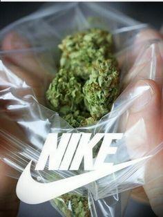 Nike just smoke it! Nike Wallpaper Iphone, Ios 11 Wallpaper, Weed Wallpaper, Pineapple Wallpaper, Supreme Wallpaper, Rasta Tattoo, Sassy Wallpaper, Alien Drawings, Dope Wallpapers