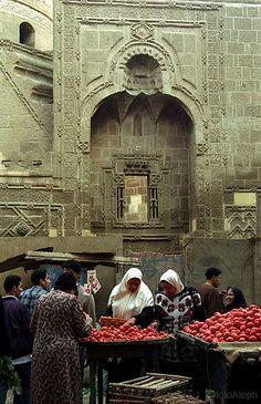 El Cairo  (Egipto).  Mercado callejero (barrio de Ibn Tulun)