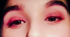 Red eyeliner for a valentine's day look