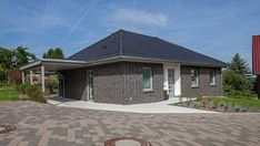 Haus Riedel Außenansicht Bungalows, Style At Home, Affordable House Plans, Simple House Design, Traditional House Plans, Building A House, Villa, Floor Plans, Layout
