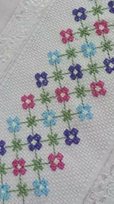 Cross Stitch Bookmarks, Cross Stitch Borders, Cross Stitch Flowers, Cross Stitch Designs, Cross Stitch Patterns, Hardanger Embroidery, Cross Stitch Embroidery, Granny Square Quilt, Chicken Scratch