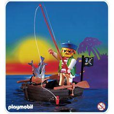3792 釣りをする眼帯の海賊