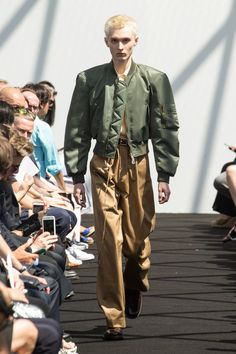 Paris Men Fashion Week 2016: Balenciaga