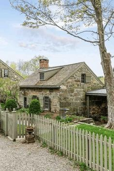 Stone Home For Sale In Esopus New York - Cottage home decor Stone Exterior Houses, Old Stone Houses, Cottage Exterior, Old Houses, Stone Home Exteriors, Abandoned Houses, Stone Cottages, Cabins And Cottages, Cottage Homes