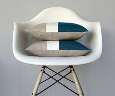 Turquesa+y+crema+Color+bloque+de+almohada+por+JillianReneDecor