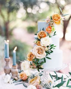 To inspire your future warm-weather treat, we've rounded up a selection of summertime wedding cakes, perfect for any type of seasonal wedding—from a black-tie reception in a ballroom to an al fresco garden party, and everything in between. Summer Wedding Cakes, Square Wedding Cakes, Floral Wedding Cakes, Wedding Cakes With Flowers, Elegant Wedding Cakes, Beautiful Wedding Cakes, Wedding Cake Designs, Beautiful Cakes, Perfect Wedding