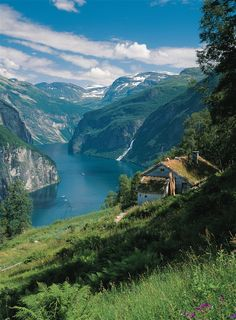 Beautiful Places - Geiranger Fjord, Norway