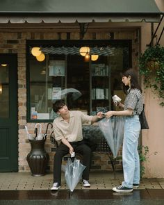 Funny girl pose 44 Ideas for 2019 Couple Shots, Couple Posing, Film Photography, Couple Photography, Photography Composition, Photography Equipment, Photography Business, Couple Ulzzang, Foto Casual
