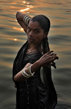 Photograph by Salvatore Valente Donna immersed in the Ganges River in the early hours of the morning (India, Varanasi) We Are The World, People Around The World, Wonders Of The World, Around The Worlds, Beautiful People, Most Beautiful, Ex Machina, Portraits, Before Us