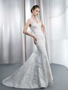 Style: 1435 - www.demetriosbride.com