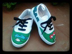 Zapatillas pintadas con motivos de las Tortugas Ninja