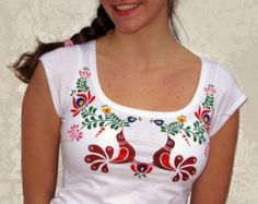 HAND PAINTED hungarian FOLK art T-shirt with colorful birds and flowers (Matyó) from Hungary