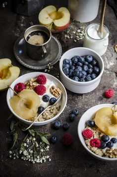 Porridge d'avena, mele e miele