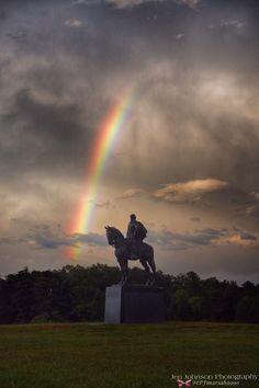Rainbow & Stonewall Jackson Memorial at Sunset Manassas Battlefield Tonight #vawx #sunset #JenJohnson @tPFmariah9999