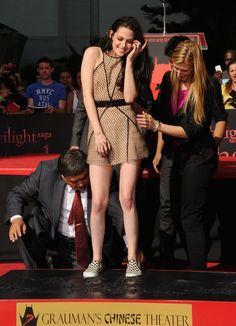 robertpattinson-kristenstewart Photo - Kristen Stewart, Robert Pattinson & Taylor Lautner Hand And Footprint Ceremony