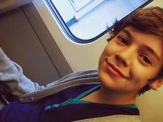 young Harry Styles *thud* I just fainted I'm okay nope never mind fangirling