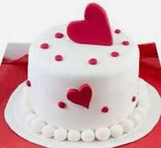 Cakes for Valentine's Day: Cakes for February 14 Fondant Cake Designs, Cake Decorating With Fondant, Cake Decorating Tutorials, Fondant Cakes, Cupcake Cakes, Valentines Cakes And Cupcakes, Valentine Cake, Heart Shaped Cakes, Heart Cakes