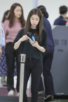 Korean Airport Fashion, Korean Fashion, Seulgi, Stage Outfits, Casual Outfits, Kpop Fashion, Fashion Outfits, Red Valvet, Pakistani Fashion Casual