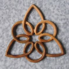 Kingdom of Heaven Triquetra with Star of David Woodworking Logo, Learn Woodworking, Woodworking Projects, Woodworking Plans, Intarsia Woodworking, Woodworking Machinery, Triquetra, Celtic Patterns, Celtic Designs